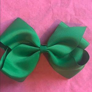 BOGO- Kelly green large bow w/ clip